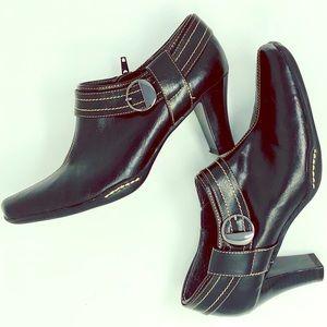 Aerosoles Women's Black Booties Size 7.5